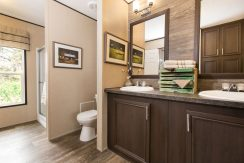 Manufactured-THE-LAKEVIEW-SIG28563D-41SIG28563DH-Master-Bathroom-20170606-1345241854761